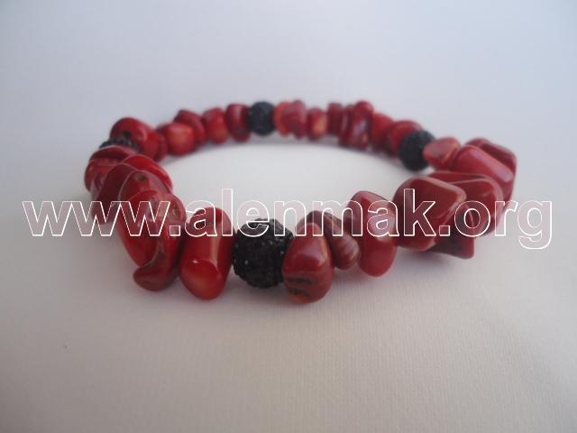 Гривна с Червен Корал - Червено и черно