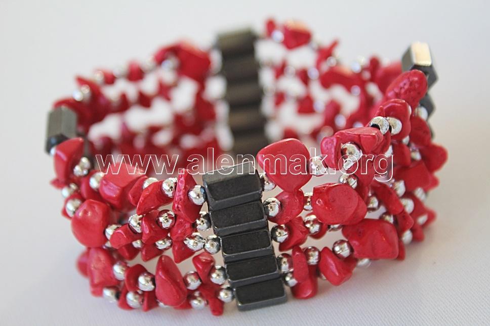 Гривна с Хаулит - Милион червени рози
