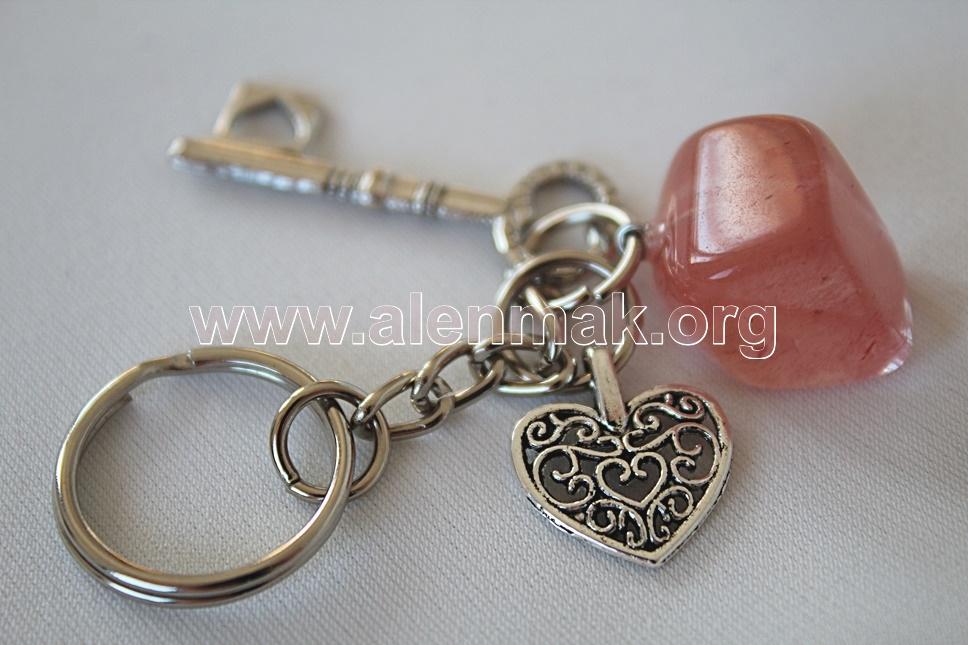 Ключодържател от Черешов Кварц - Вярвай в любовта!