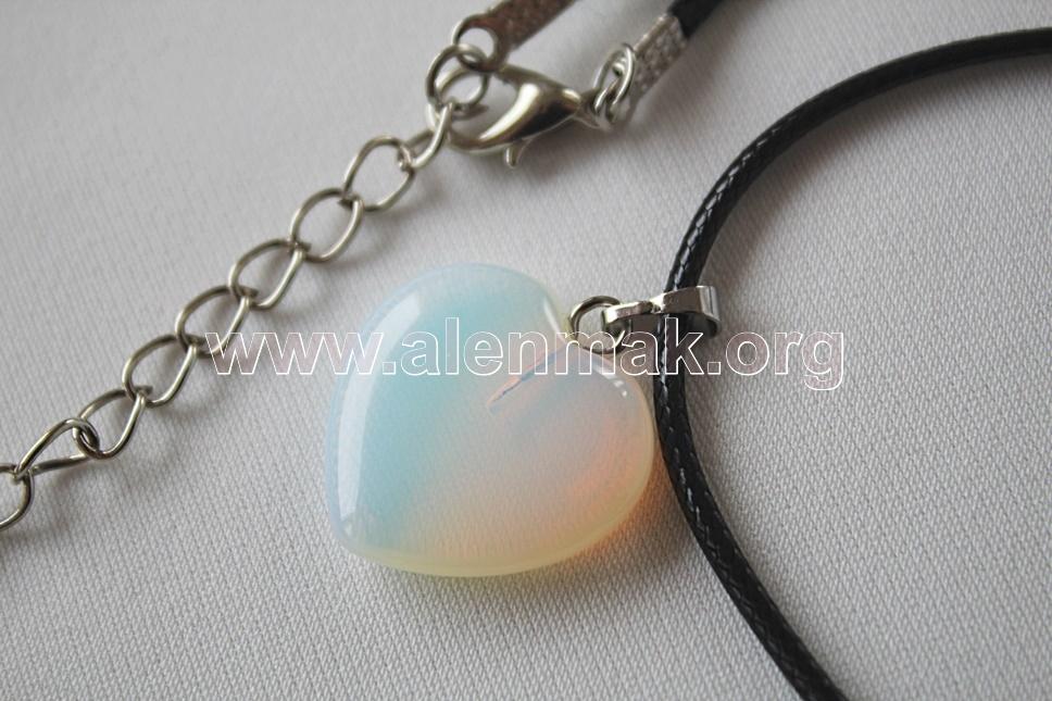 Колие с Лунен камък - Силата на любовта